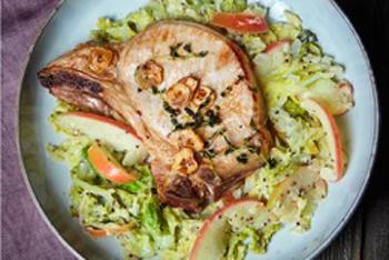 Wirsing-Gemüse mit Kotelett