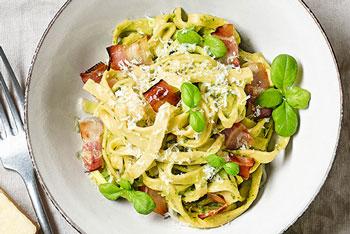 Gourmella-Fettuccini mit Avocado-Carbonara