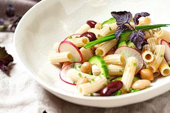 VonHier-Dinkelnudel-Salat mit Kichererbsen