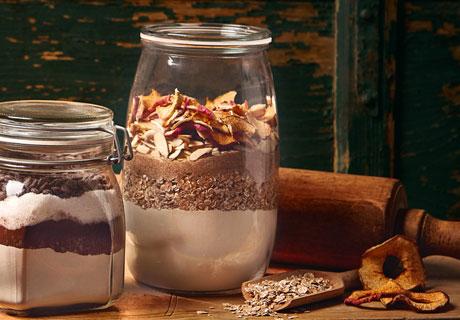 Backmischung im Glas: winterliche Apfel-Muffins