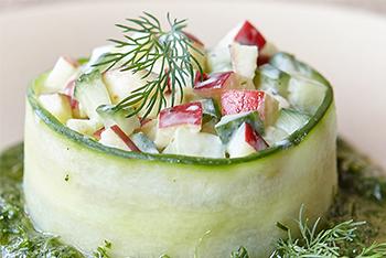 Apfel Gurkensalat mit Wasabi-Joghurt