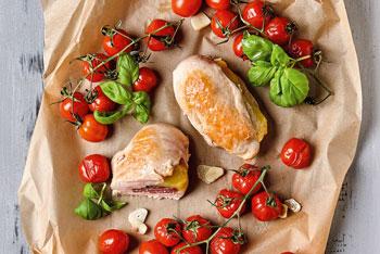 Gefüllte Hähnchenbrüste mit geschmolzenen Tomaten