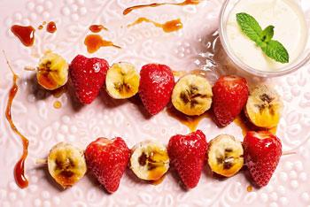 Erdbeer-Grillspieß mit Vanillejoghurt