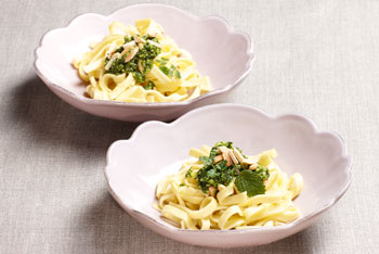 Gourmella-Pasta mit Petersilie-Pesto
