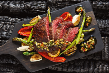 Flank Steak mit Gemüse und Ratatoulle-Relish